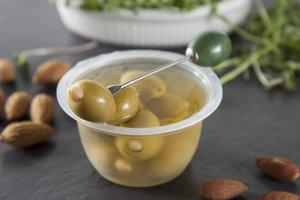 Оливки зеленые с миндалём