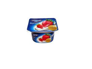 Йогурт c клубникой и земляникой 1,6% ТМ Danone (Данон)