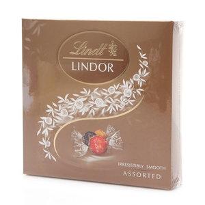 Ассорти конфет Линдор из шоколада с нежной тающей начинкой ТМ Lindt (Линдт)